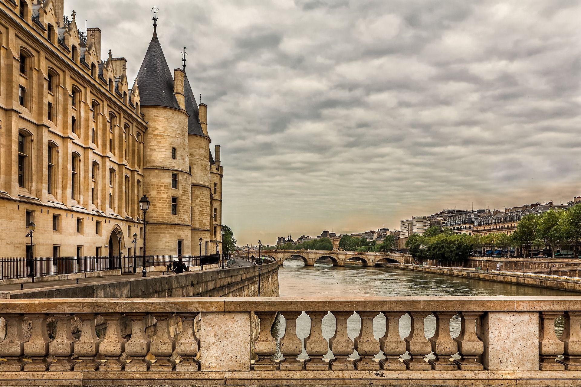 Vacante Paris