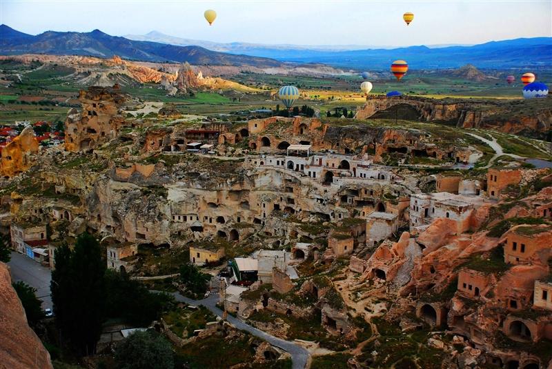 Paste Istanbul si Cappadocia