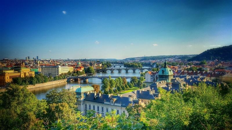 Praga - Paste si 1 Mai