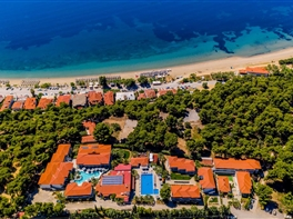 1 Mai in Halkidiki - Hotel Philoxenia 4* · 1 Mai in Halkidiki - Hotel Philoxenia 4*