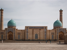 Circuit Asia Centrala - pe Drumul Matasii · Circuit Asia Centrala - pe Drumul Matasii