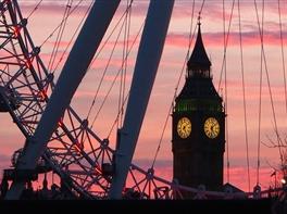 Paste la Londra · Paste la Londra