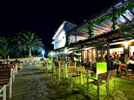 Paste si 1 Mai Halkidiki Hotel Philoxenia