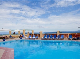 Hotel Daphne Holiday Club · Sejur Halkidiki