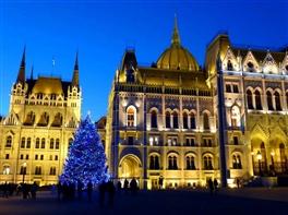Targul de Craciun Budapesta (hotel 3*) · Targul de Craciun Budapesta (hotel 3*)