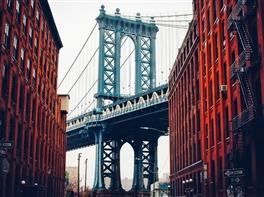 Vacanta la New York (aprilie, iunie, august) · Vacanta la New York (aprilie, iunie, august)