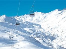 Vacanta la schi in Austria cu monitori romani · Vacanta la schi in Austria cu monitori romani